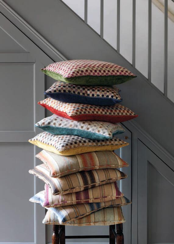 Decoration soft furnishings woodstock of scarborough ltd for Soft furnishings online